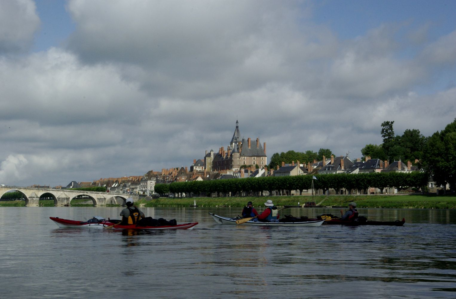 1000 images about la loire en bateau boats of the loire valley on pinterest. Black Bedroom Furniture Sets. Home Design Ideas